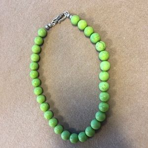 Accessories - Lime green bead necklace with silver closure